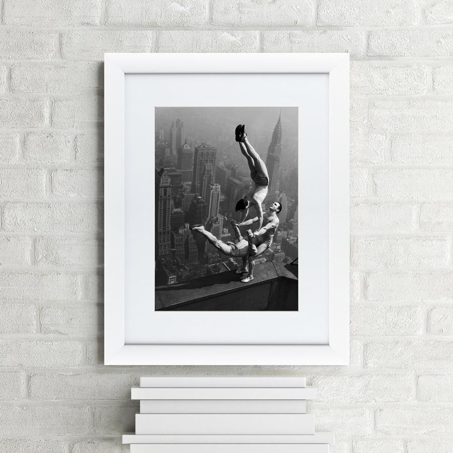 {} Картины в Квартиру Картина Акробаты Балансируют На Вершине Empire State Building (47х60 см) картины в квартиру картина etude 2 102х130 см