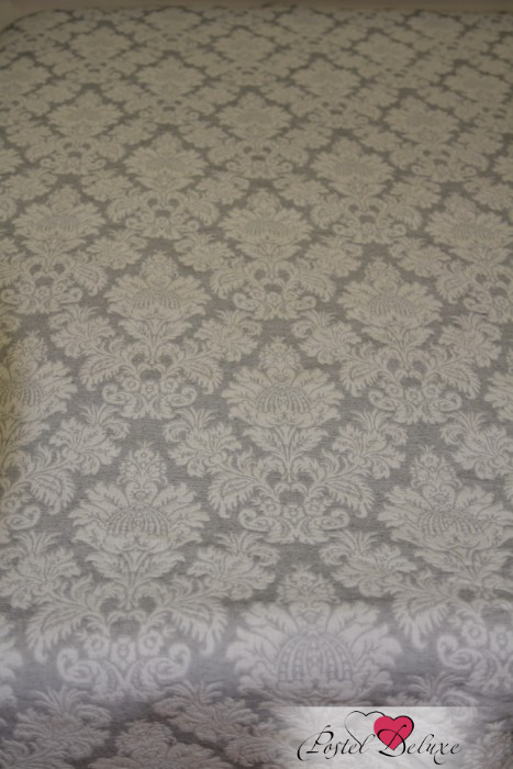 Покрывало LocamaПокрывала<br>Размер: Двуспальные<br>Размер, см: 230х260 см<br>Производитель: Locama<br>Страна производства: Португалия<br>Состав: 70% Хлопок, 30% Полиэстер<br><br>Тип: покрывало<br>Размерность комплекта: Двуспальные<br>Материал: Жаккард<br>Размер наволочки: None<br>Подарочная упаковка: None<br>Для детей: нет<br>Ткань: Жаккард<br>Цвет: Серый