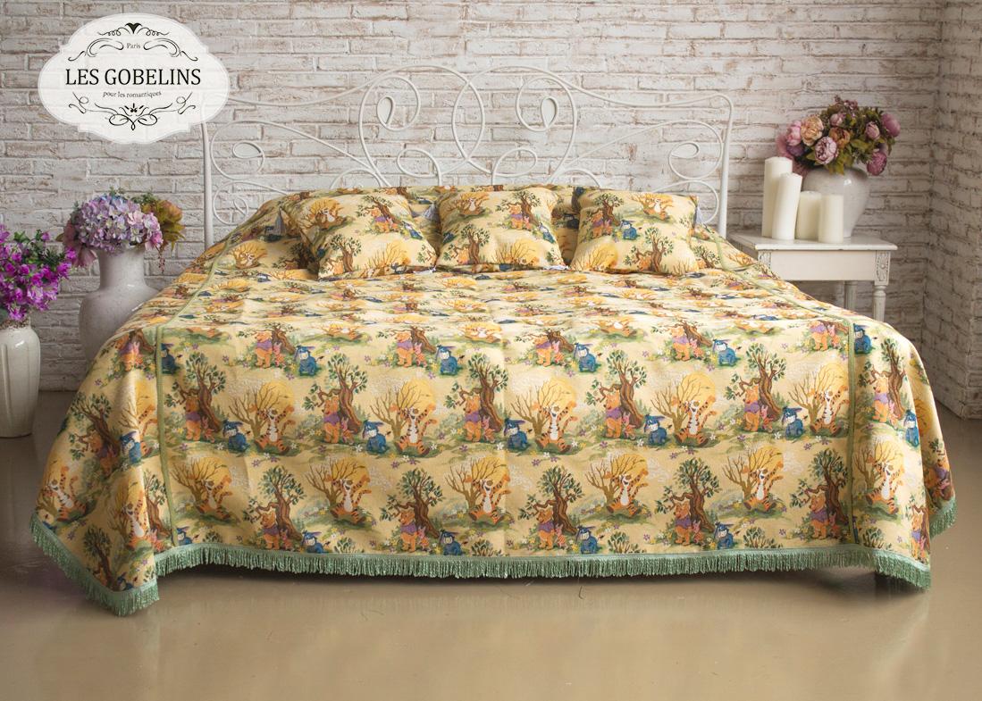 Детские покрывала, подушки, одеяла Les Gobelins Детское Покрывало на кровать Winnie L'Ourson (240х260 см) подушка декоративная auto premium я патриот цвет черно бежевый 37257