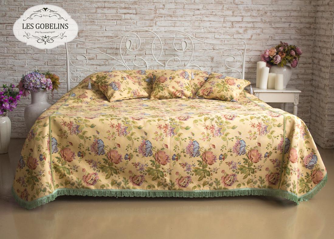 где купить  Покрывало Les Gobelins Покрывало на кровать Gloria (220х220 см)  по лучшей цене