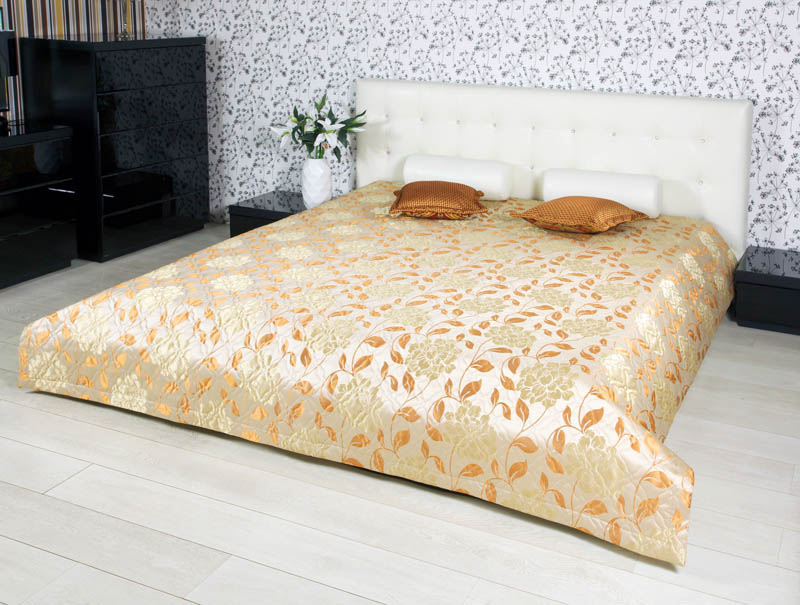 где купить Покрывало Primavelle Покрывало Evelina Цвет: Оранжевый (240х240 см) по лучшей цене