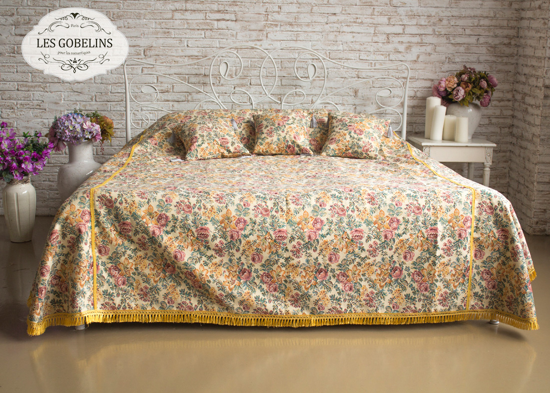 где купить  Покрывало Les Gobelins Покрывало на кровать Arrangement De Fleurs (160х220 см)  по лучшей цене