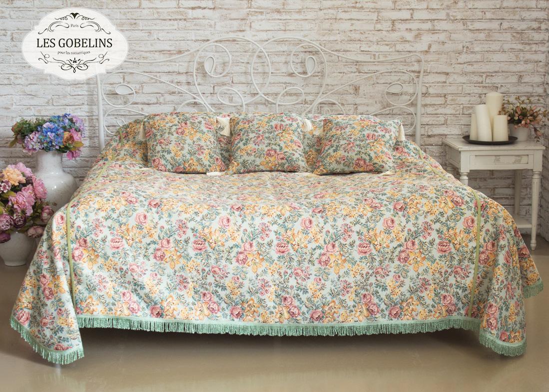 где купить  Покрывало Les Gobelins Покрывало на кровать Arrangement De Fleurs (260х230 см)  по лучшей цене