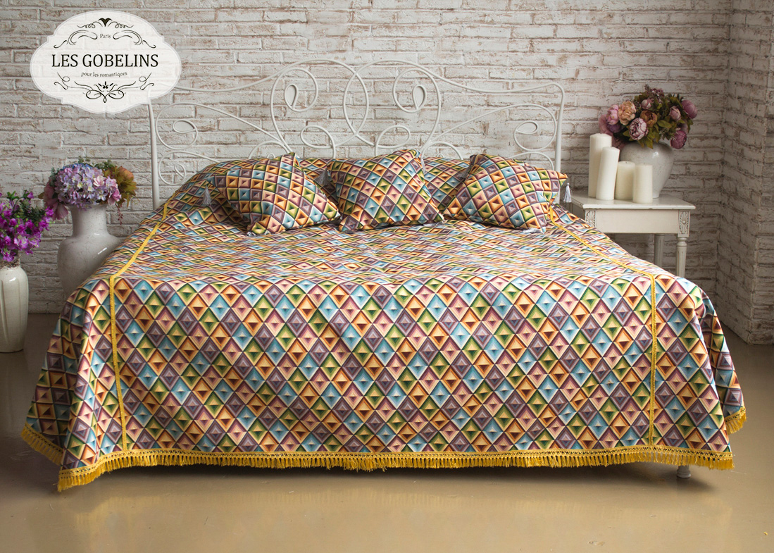 где купить  Покрывало Les Gobelins Покрывало на кровать Kaleidoscope (220х220 см)  по лучшей цене