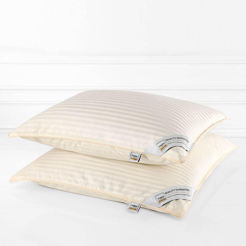 Подушки Togas Подушка Роял Жаккард (70х70) подушки classic by togas подушка верблюжья шерсть