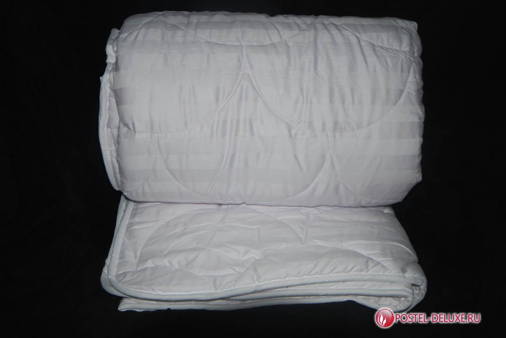 Одеяло AryaОдеяла<br>Одеяло стёганое всесезонное двуспальное (евро)<br>Размер: 200х220 см<br><br>Наполнитель: Бамбуковое волокно<br>Плотность наполнителя: 300 г/м2<br>Состав: 50% Бамбуковое волокно, 50% Силиконизированное волокно<br><br>Материал чехла: Хлопковый сатин<br>Состав: 100% Хлопок<br><br>Производитель: Arya<br>Страна производства: Турция<br>Тип Упаковки: Чемодан ПВХ<br><br>Тип: одеяло<br>Размерность комплекта: евростандарт<br>Материал: Хлопковый сатин<br>Размер наволочки: None<br>Подарочная упаковка: None<br>Для детей: нет<br>Ткань: Хлопковый сатин<br>Цвет: Белый
