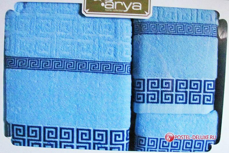 Полотенце AryaПолотенца<br>Производитель: Arya<br>Страна производства: Турция<br>Материал: Махра<br>Размер: 30х50 см, 50х90 см, 70х140 см<br><br>Тип: полотенце<br>Размерность комплекта: None<br>Материал: Махра с вышивкой<br>Размер наволочки: None<br>Подарочная упаковка: есть<br>Для детей: нет<br>Ткань: Махра с вышивкой<br>Цвет: Голубой,Синий