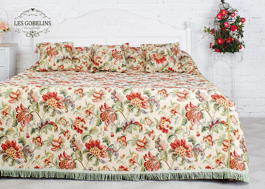 где купить  Покрывало Les Gobelins Покрывало на кровать Tales of Persia (240х230 см)  по лучшей цене