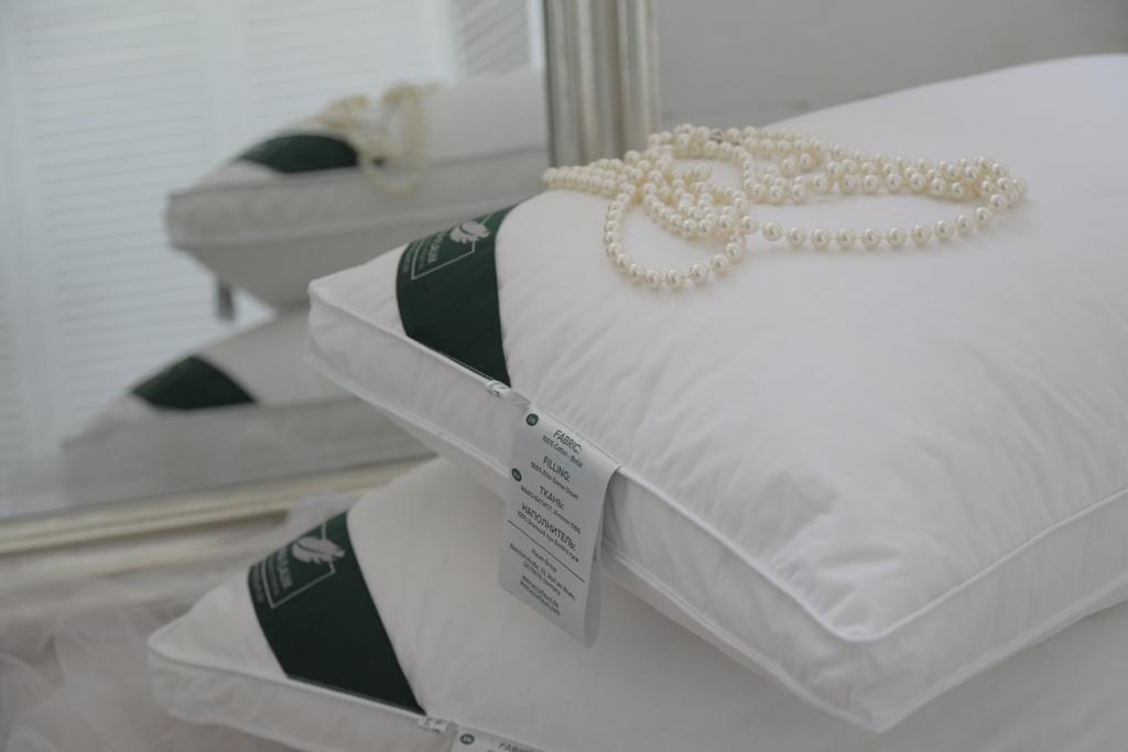 Подушки ANNA FLAUM Подушка Perle Упругая (70х70)